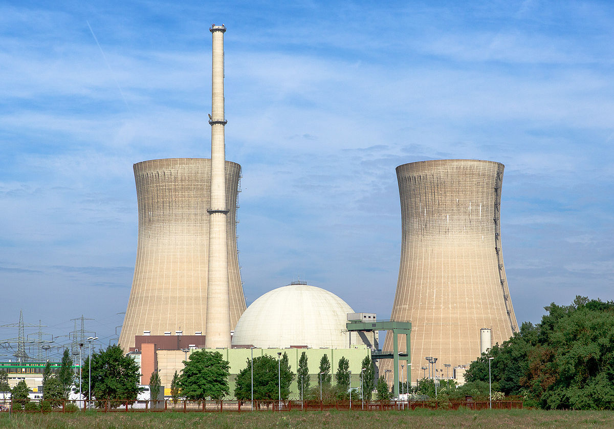 Photo of A Coalition Of Energy Trade Groups Wants The DOE To Let Nuclear Die
